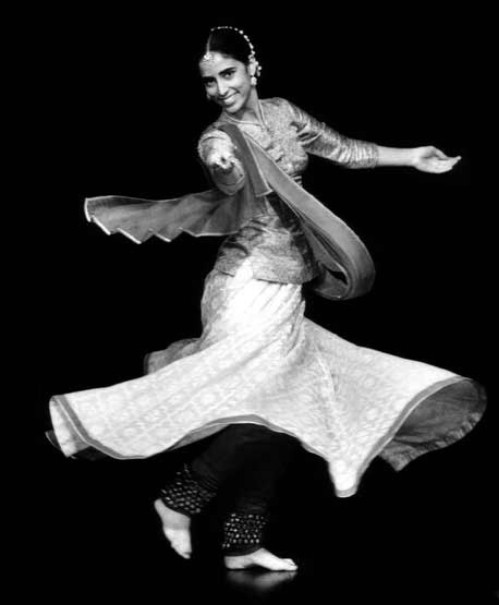Kathak dance classes online lessons learn kathak dancing divya dance school in india offers regular training classes for learning kathak indian classical dance and kathak online dance lessons on skype for the fandeluxe